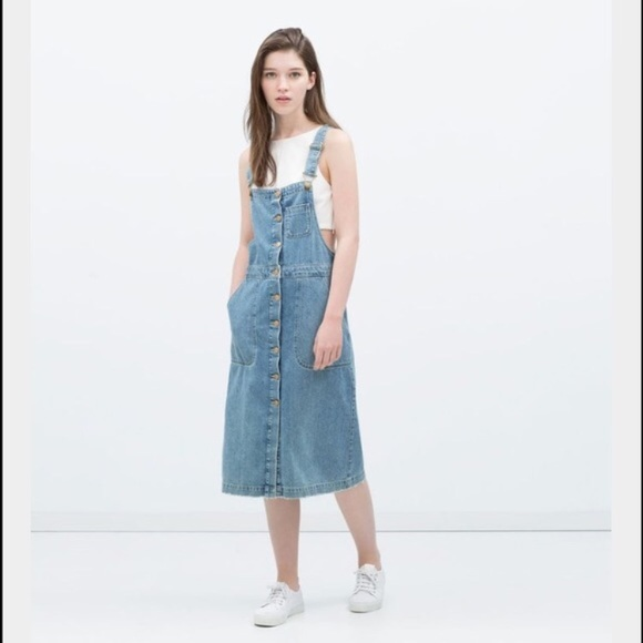 30ac7041d4 Zara TRF • Denim overalls dress. M 5b442de7619745f02b39fbc2